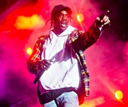 Travis Scott en concert à Paris